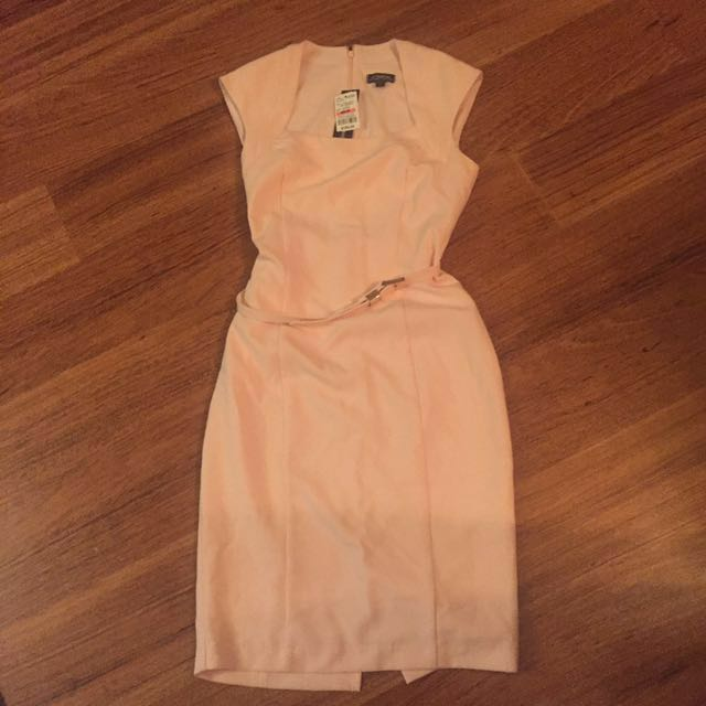 *REDUCED*Le chateau pink dress with belt