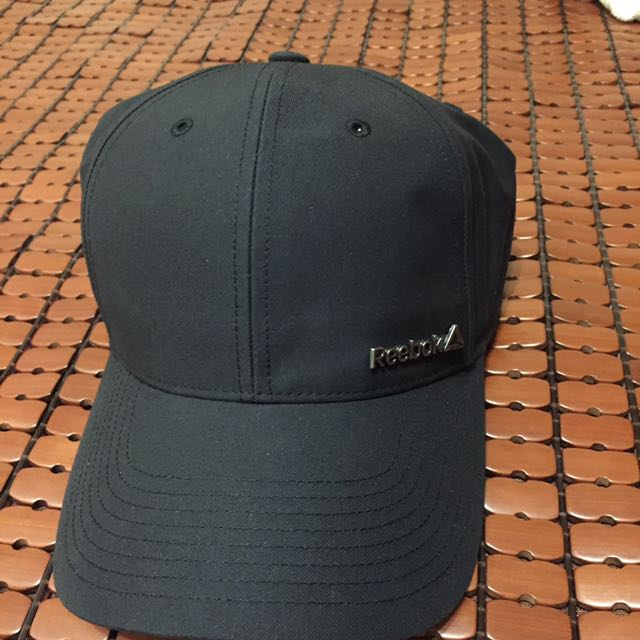 Reebok 黑老帽