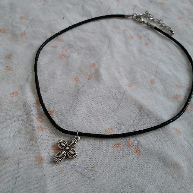 Silver Cross Choker