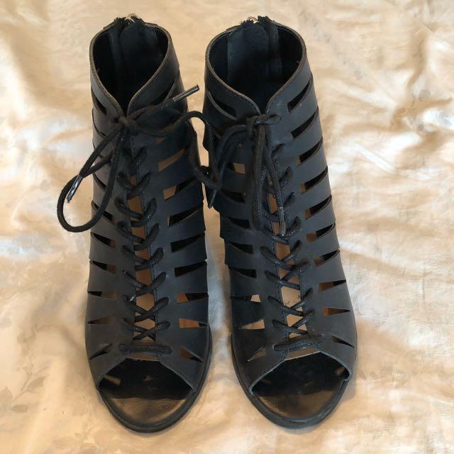 Spring black heels S: 7