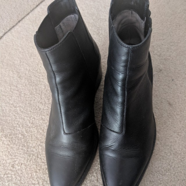 Tony bianco size 9 leather boots