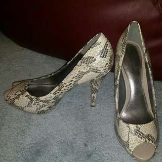 Spring pumps size 39