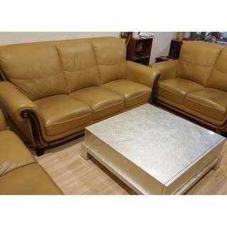 傢俱-高級歐風1大2小沙發組 家人購入 使用約三年多 應該是真皮 當時購入價格較高 現搬家出清