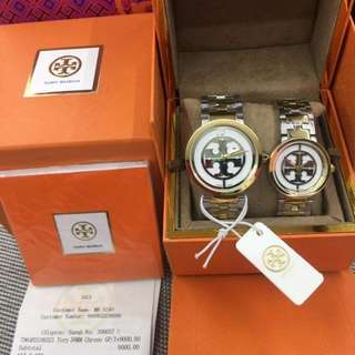 tory Burch with box