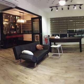 Immediate availability! Newly renovated 4room flat.