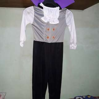 Dracula costume for 5 year old...  worn only once this was purchased last week.. rfs: decluttering