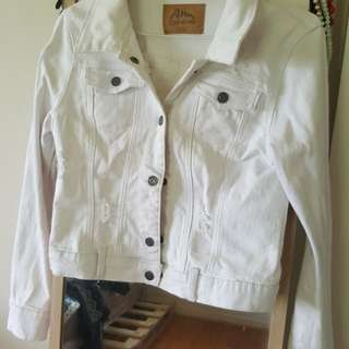 White denim jacket Size 36/ 8