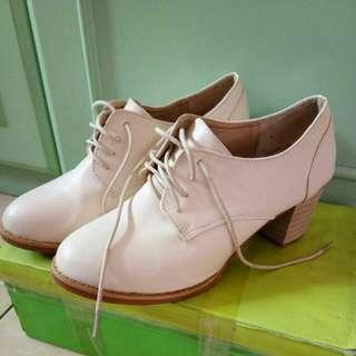 MSY heels