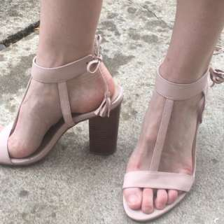 NEW Mollini leather heels