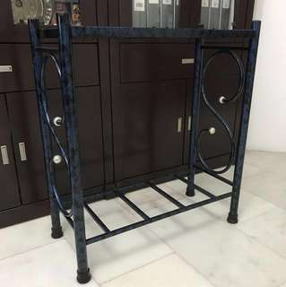Fish tank stand for 2 feet tank size L69cmxH77cmxW31cm (normal used defects )location Bukit Batok 650524