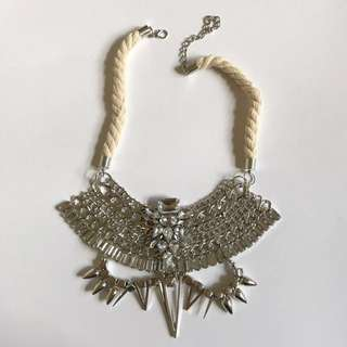 Statement necklace ✨price drop