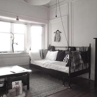 IKEA SVELVIK Daytime bed with mattresses
