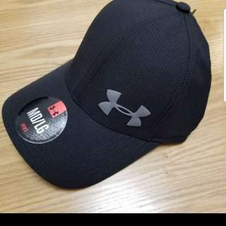 100%real and new Under Armour Cap帽 黑色