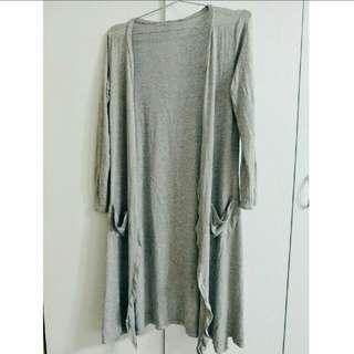 灰色開襟長版外套