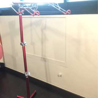 Adjustable laptop stand (metal)