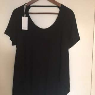 NEW W/TAGS , scoop back flowy t-shirt, size S