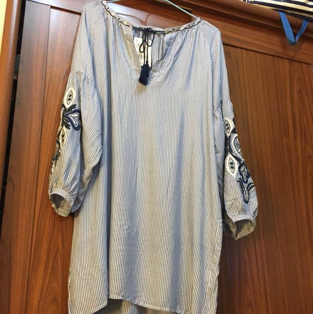 刺繡條紋洋裝