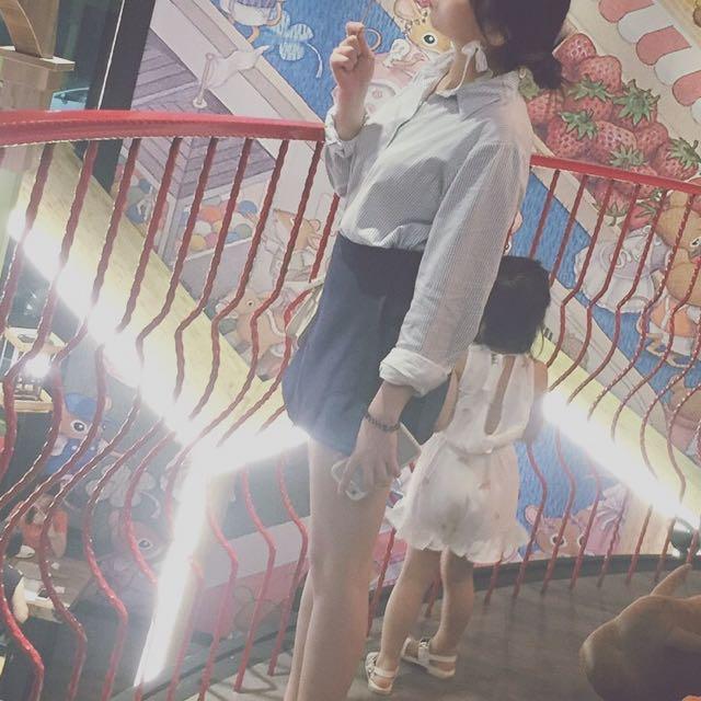 藍白細條紋襯衫