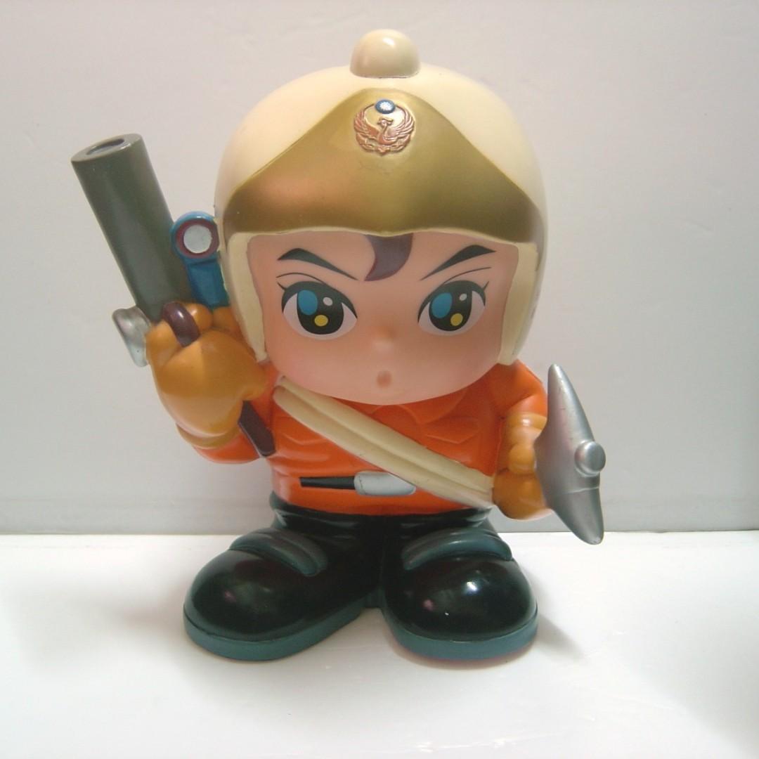 新竹花園城市 消防救助手強尼寶寶 119撲滿公仔 存錢筒收藏擺飾娃娃~