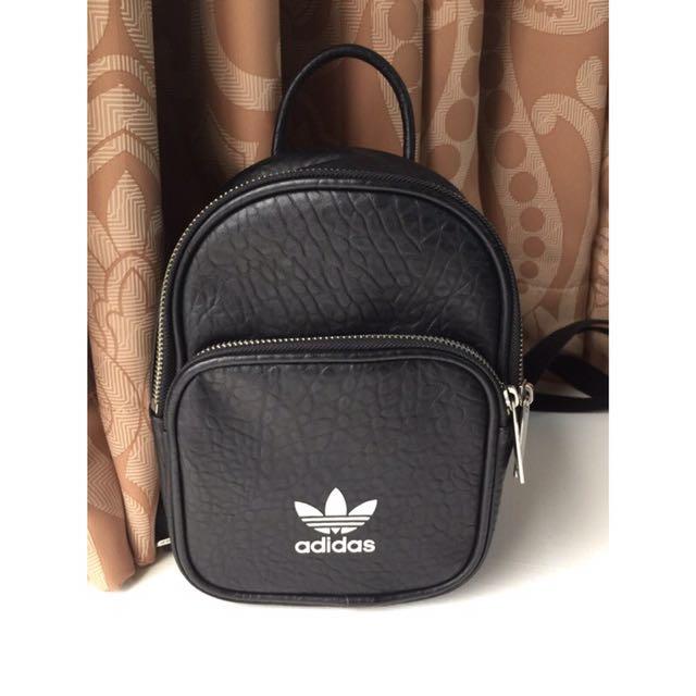 Adidas mini black 後背包 9.5成新