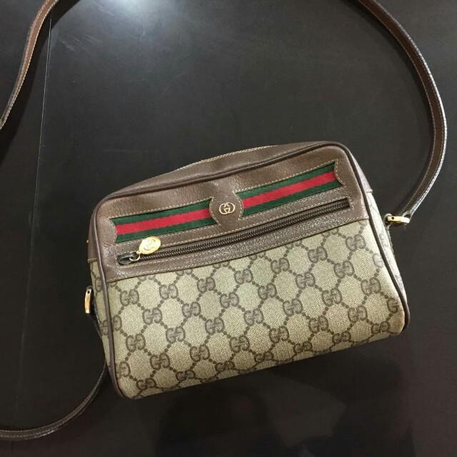 e4cb78f25c6 Authentic vintage Gucci sling bag