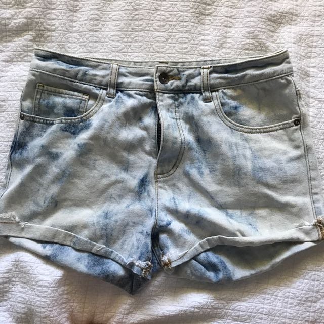 Billabong denim shorts size 30 (12)