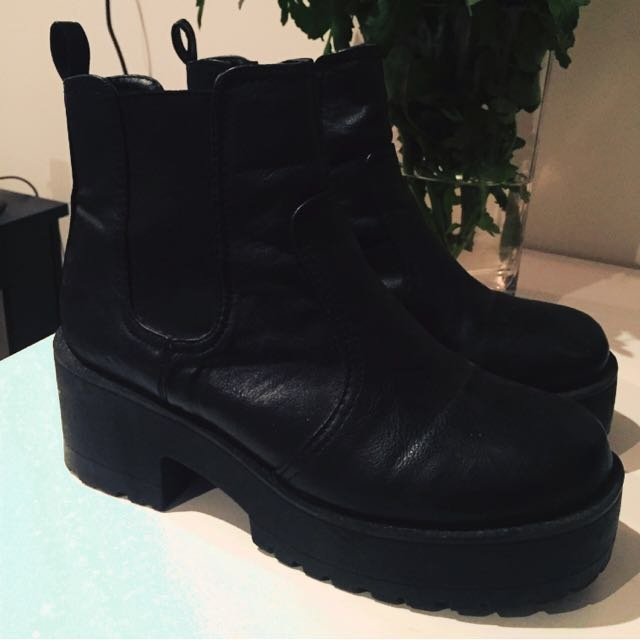 Black cleated bootie heels size US 8/ UK 7