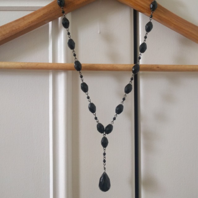 Black jewel necklace and matching drop earrings