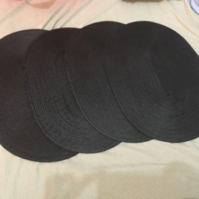 Black placemats 4pcs