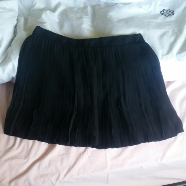 Black Short Skirt Pleated