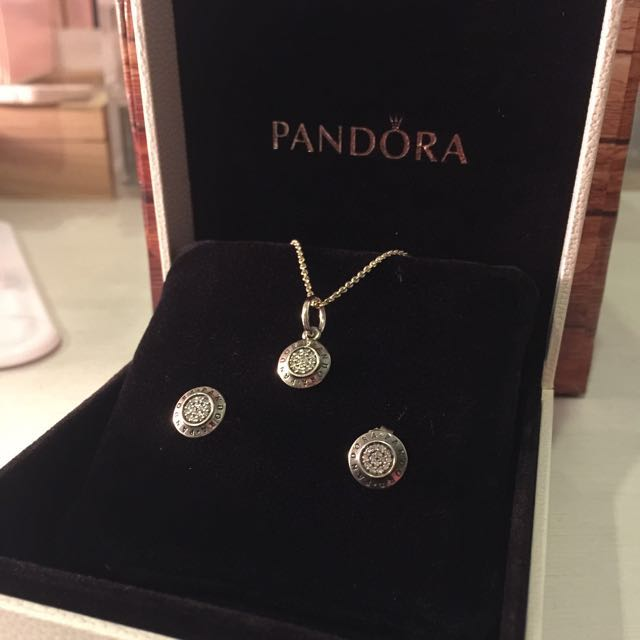 9cc3b21ff6511 [Brand New] Pandora Signature Necklace and Earring Set