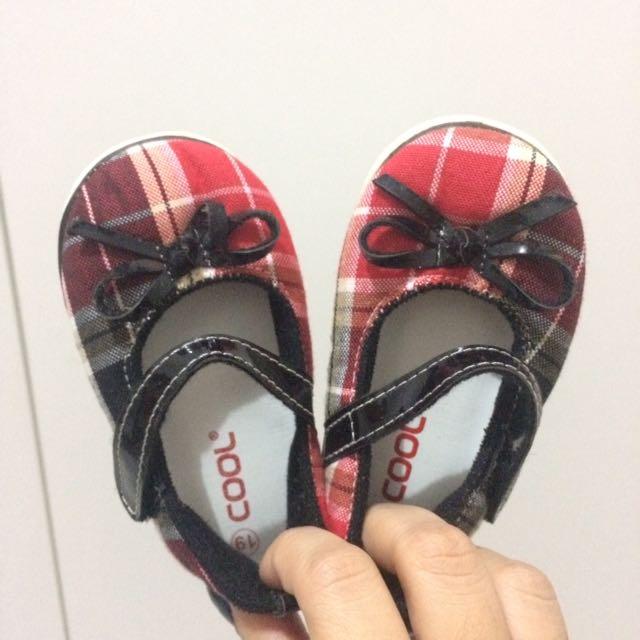 Cool shoes / sepatu perempuan