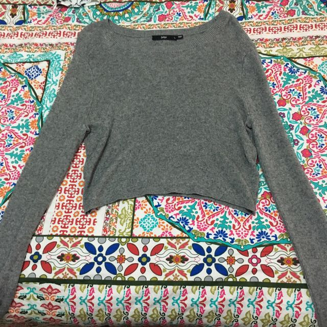 Cropped sports girl grey knitted jumper