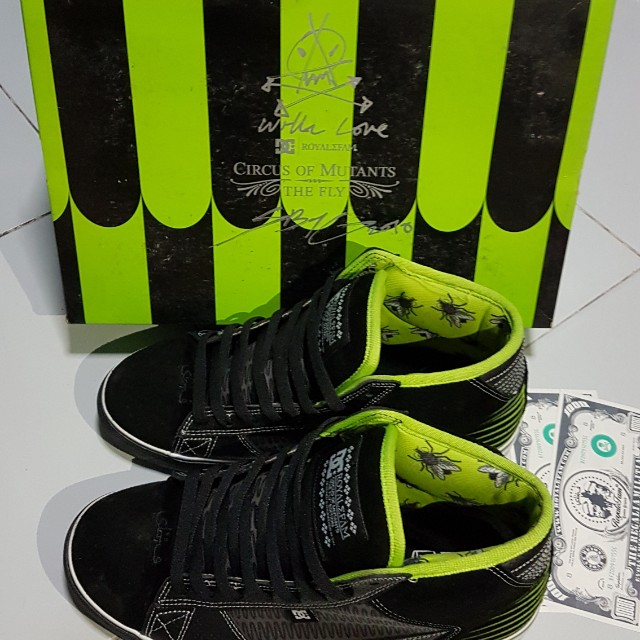 wholesale dealer 2e9c0 4f92b ... DC x SBTG True Mid, Mens Fashion, Footwear on Carousell ...