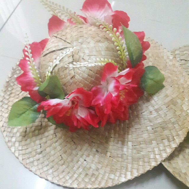 Farmer s hat with flowers f0560b03f6a