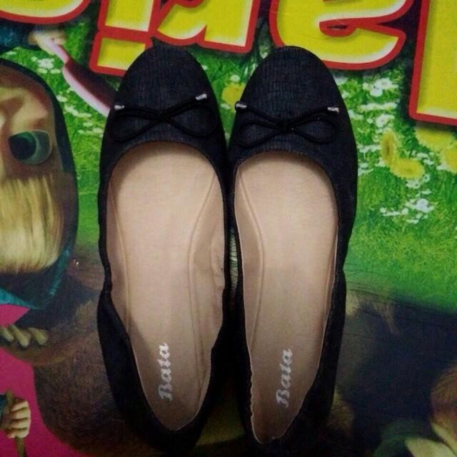 Flatshoes bata ukuran 39