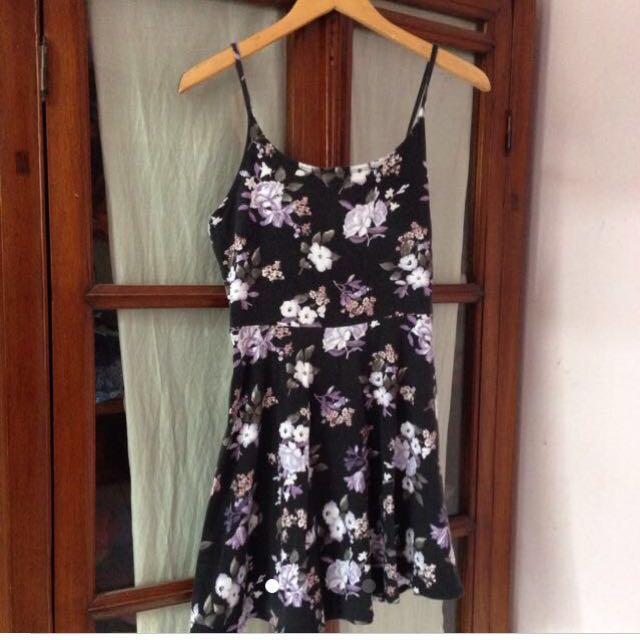 Flowery casual Dress
