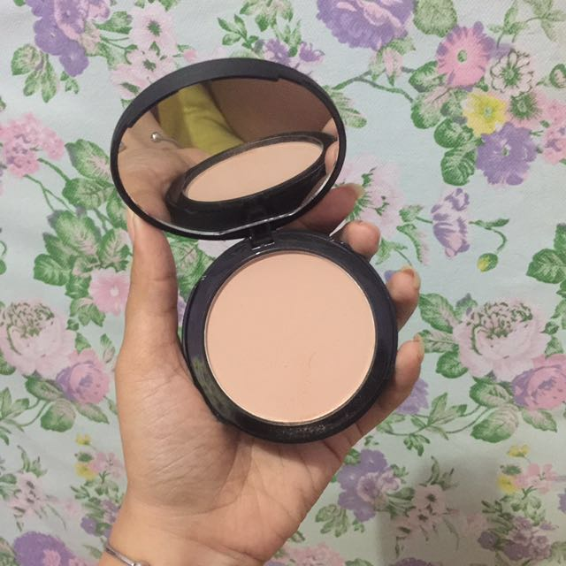 Focallure Pressed Powder Shade 02
