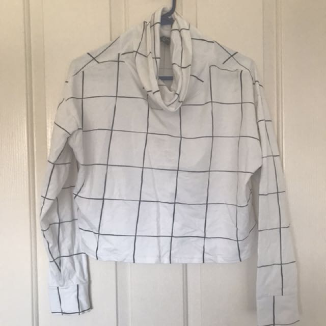 H & M cropped top