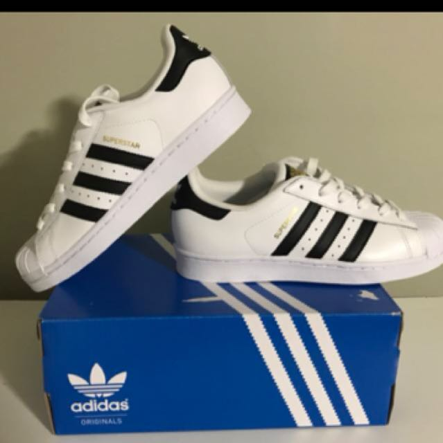 ISO adidas superstars size 5 1/2 Or 6