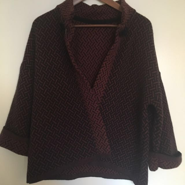 Ladies S/M Cardigan/sweater. Burgundy/navy