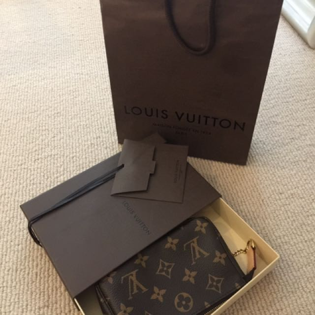 Louis Vuitton Lv pouch