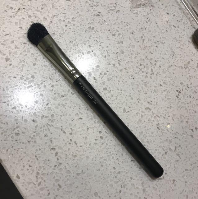 Mac brush 227
