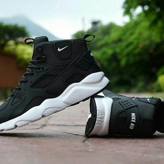 best website bc694 99b53 Nike Air Huarache High Cut
