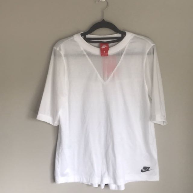 Nike Top -- BRAND NEW