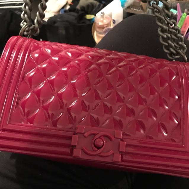 Quilted rubber bag