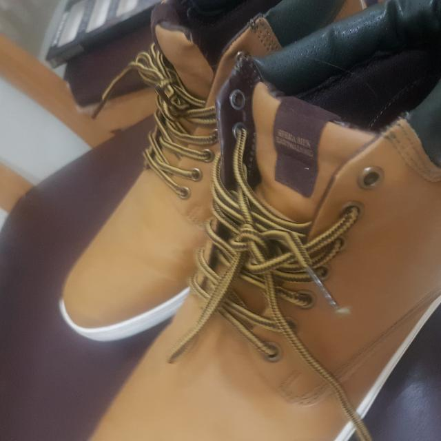 Sfera size 10 shoes