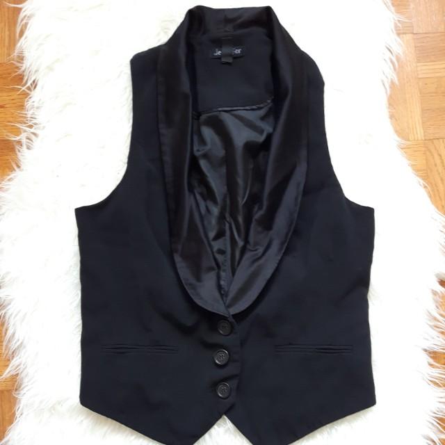 Size 6 black vest (servers vest)