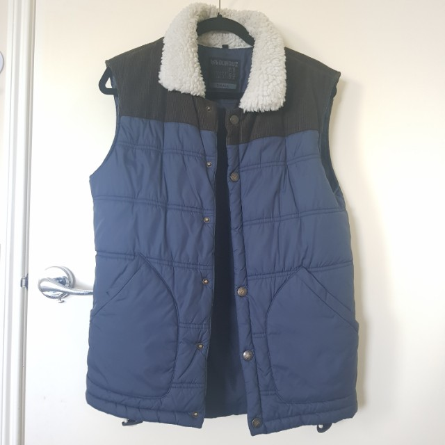 Sleeveless warm vest with fur SMALL