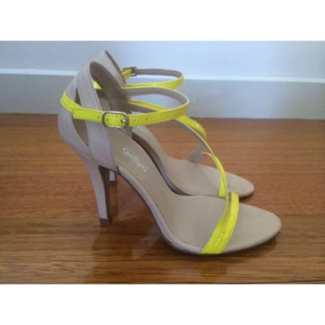 Sports girl heels size 37